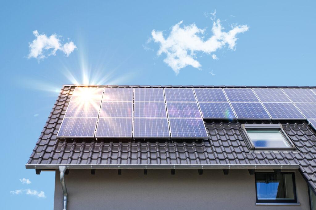 Photovoltaik paneele auf dem dach